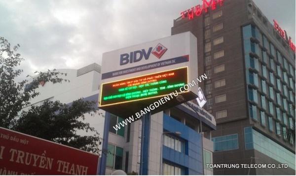 Gía bán bảng điện tử quảng cáo của công ty Toàn Trung thấp nhất thị trường mà chất lượng đạt chuẩn quốc tế