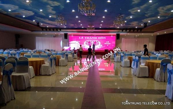 Toàn Trung là đơn vị cung cấp màn hình led sân khấu giá rẻ và đạt chuẩn chất lượng quốc tế