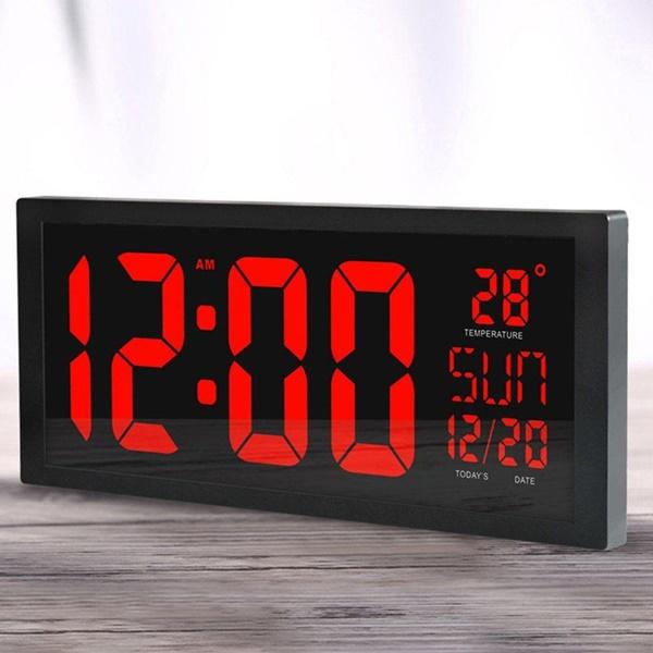 Mua đồng hồ điện tử led treo tường tại Toàn Trung cam kết chất lượng, giá tốt và thời gian bảo hành dài lâu