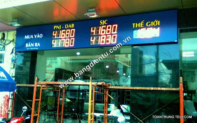 Bảng điện tử LCD dễ dàng lắp đặt cho nhiều nhu cầu sử dụng khác nhau.