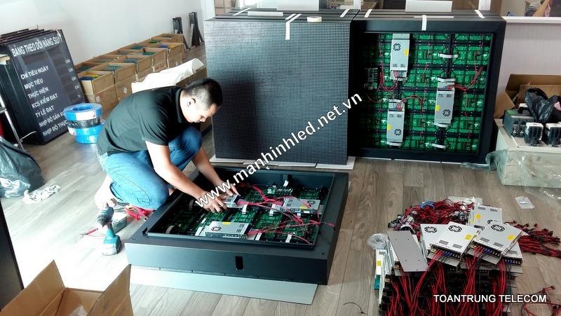Đội ngũ nhân viên tại Toàn Trung có chuyên môn và tay nghề cao trong việc sản xuất và lắp đặt màn hình led.