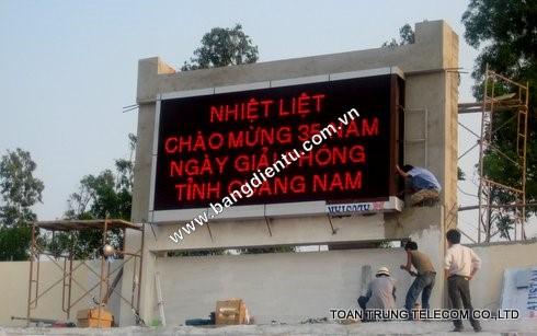 Bảo trì bảng điện tử nhân viên Toàn Trung không thêm bất cứ chi phí nào