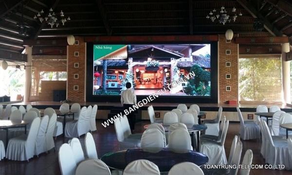 Toàn Trung đã lắp đặt màn hình led nhà hàng tiệc cưới cho nhiều nhà hàng trên địa bàn TP HCM